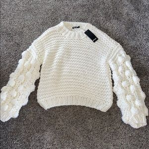 NWT cream chunky sweater with cool sleeves